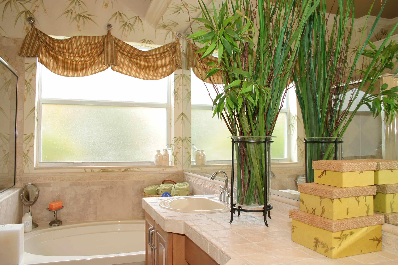 amalfi-santorini-estates-master-bath