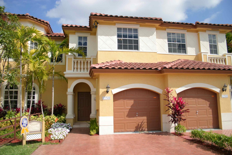 baceno-santorini-townvillas-exterior-house