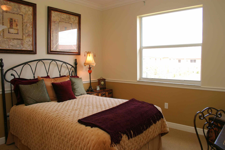 bellagio-townvillas-carzano-bedroom