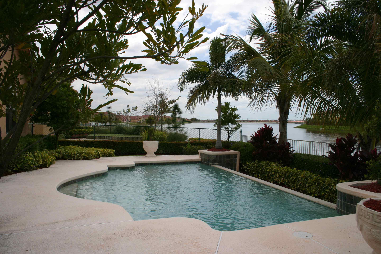 corinth-escada-estates-backyard-pool