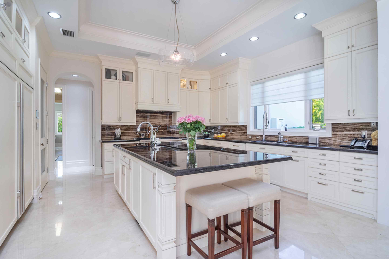 pinecrest-kitchen