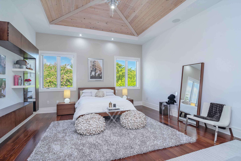 pinecrest-large-bedroom