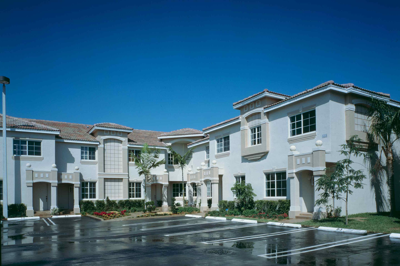secret-garden-exterior-houses-community