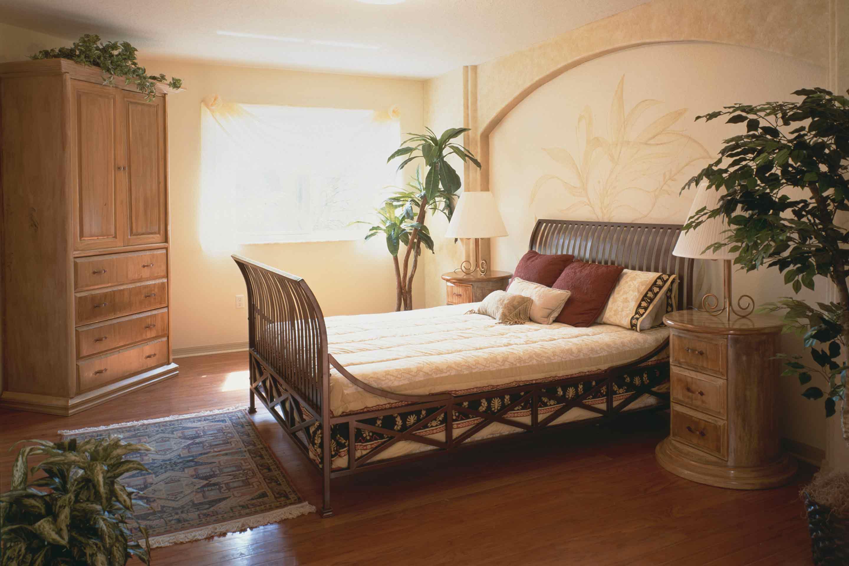 secret-garden-master-bedroom